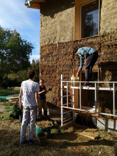 5 ans SCOP Ecozimut - chantier terre/paille Loubens
